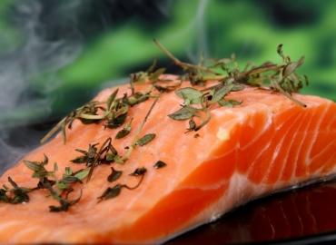 Como saber se o peixe que você está comprando é fresco?  Nós ajudamos você!
